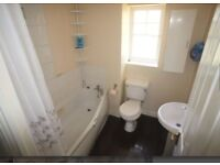 3 unfurnished bed terraced house for sale Greenhaven Drive, London, SE28 8FY for £1450K per month