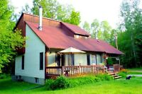Long/Short Term FURNISHED Chelsea GATINEAU Park Woodstove 4BR