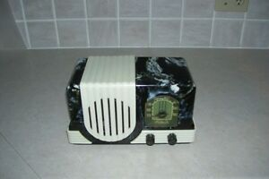 VERY COLLECTIBLE AND RARE MODEL#R5A1 ADDISON RADIO EXCEL.CONDITI London Ontario image 1