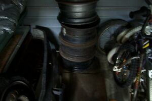 "ASSORTMENT OF STEEL VINTAGE RIMS 13"" 15"" SOLID FORD, GM, HONDA London Ontario image 2"