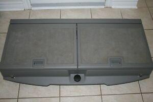 2007 Chevrolet Uplander rear storage compartment very nice shape