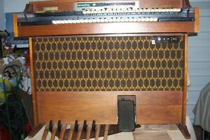 THOMAS ELECTRONIC ORGAN DOUBLE KEYBOARD