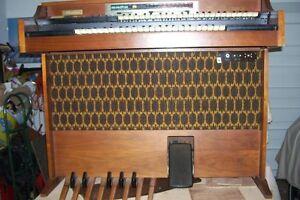 THOMAS ELECTRONIC ORGAN DOUBLE KEYBOARD London Ontario image 1