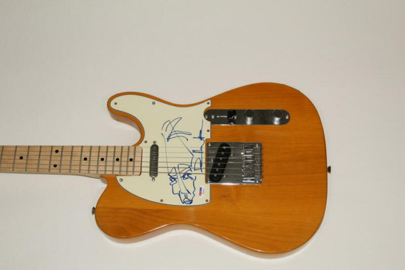 DAVE MATTHEWS SIGNED FENDER ELECTRIC GUITAR WITH SKETCH - BAND, VERY RARE PSA