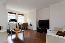 3 bedroom flat in Weymouth Mews, Marylebone