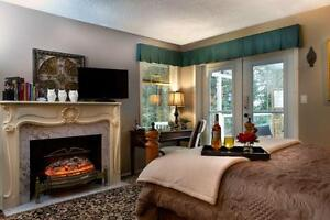 Studio room w/ Hot tub- Great for Royal Roads stays! Daily/week