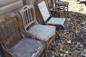 SOLID  ANTIQUE CHAIRS NEED REFINISHED London Ontario image 4