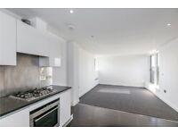 3 bedroom flat in Abbey Road, St. John's Wood, NW8