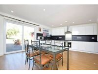 LARGE SEMI USED AS 4 BEDROOM BEAUTIFUL FAMILY HOME