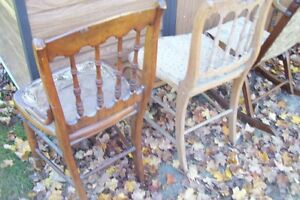SOLID  ANTIQUE CHAIRS NEED REFINISHED London Ontario image 6
