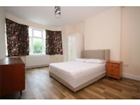AMAZING THREE BEDROOM FLAT!! CALL NOW PAT ON 02084594555 TO ARRANGE A VIEWING!!