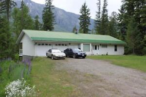 4410 Highway 6 Nakusp, British Columbia