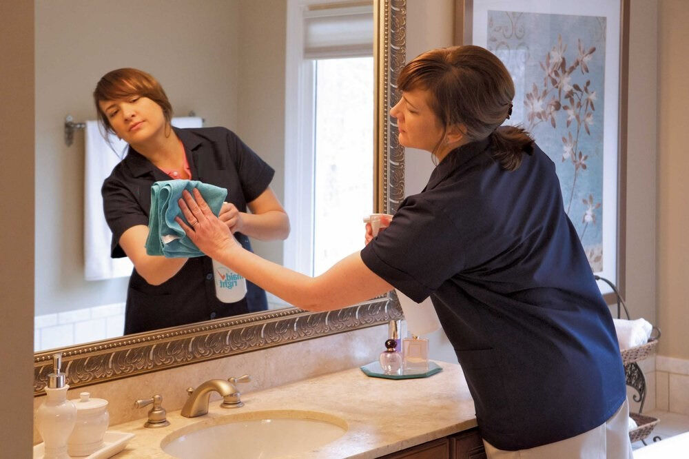 ExcellentCleanerPerfectEnd Of Tenancy CleaningDomestic Cleaner - Bathroom cleaning lady