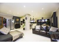 5 bedroom house in Townsend Avenue, London, N14 (5 bed)