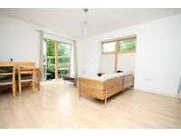 ONE BED FLAT WITH PRIVATE OUTSIDE SPACE, SECONDS TO WILLESDEN GREEN STATION-CALL RICCARDO NOW!!