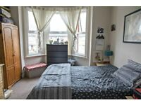 MUST SEE!! SPACIOUS 3 BED FLAT IN QUIEST LOCATION - CALL RICCARDO NOW FOR VIEWINGS!!