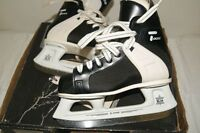 CCM - JUNIOR HOCKEY SKATES SIZE 2 - LIKE NEW
