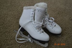 Cameo by Jackson CS112 Fleece Figure Skates