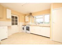 5 BEDROOM HOUSE! STOCKLEY PARK .. maintained and spacious!!!