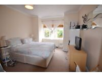 One Bedroom Property With Garden In Chiswick