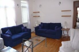BRIGHT AND AIRY 3 BED FLAT WITH RIVATE GARDEN - CALL RICCARDO NOW FOR VIEWINGS, DO NOT MISS OUT!!!