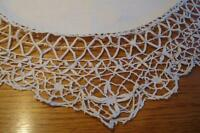 centre de table napperon en coton contour  crocheté 28 po.