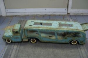1960S TONKA CAR HAULER SORRY NO CARS BUT SOLID AND RESTOREABLE London Ontario image 4