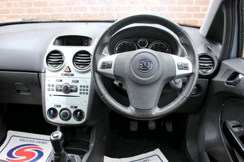 2010 Vauxhall across double Din stereo
