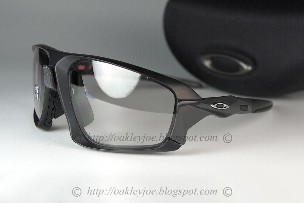 oakley-field-jacket-sunglasses-oo9402-0664-black-w-clear-black-photochromic