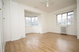 MASSIVE 4 BED FLAT CLOSE TO KILBURN STATION-HEATING & HOT WATER INC!- CALL RICCARDO NOW FOR VIEWINGS