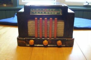 VERY VERY RARE ADDISON CATYLIN PLASTIC RADIO COLLECTED WORLDWIDE London Ontario image 1