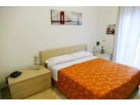 Spacious double king bed room in Whitechapel E1 - call 07506502914