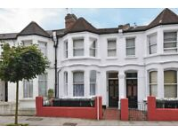 NEWLY REFURBISHED first floor double bedsit in West Hampstead