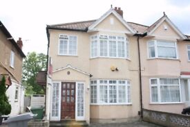 STUNNING LARGE ONE BED FLAT. REDECORATED. CALL NOW TO VIEW!!