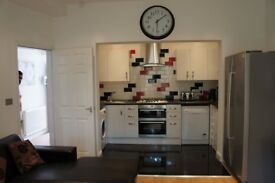 £552PPPM 4 Rooms available Albion, Fallowfield, House share,