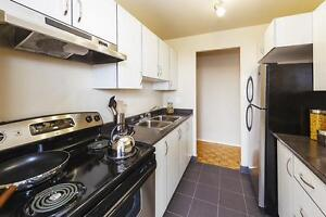 WOW! Upgraded & SPOTLESS HURRY *1 Bed-Suite-Steps 2 York-U M3N