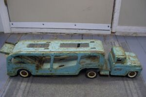 1960S TONKA CAR HAULER SORRY NO CARS BUT SOLID AND RESTOREABLE London Ontario image 1