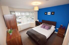 LOVELY ENSUITE TO RENT - NEAR TRAIN STATION -,B23 - Room 1