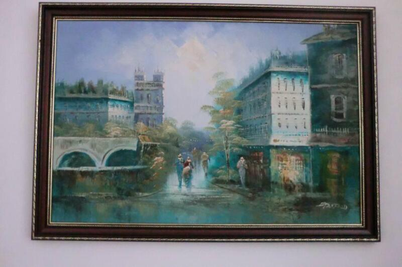 Lively Oil Painting of Street of Paris