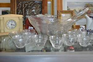 Vintage Glass Punch Bowl & Cups Reynella Morphett Vale Area Preview