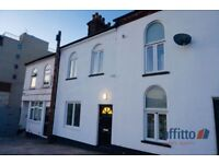 6 bedroom house in Midland Road, Luton, Bedfordshire