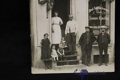 alte  Foto AK einer Bäckerei Hermann Kiesling vermutlich in Berlin um 1900