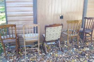 SOLID  ANTIQUE CHAIRS NEED REFINISHED London Ontario image 5