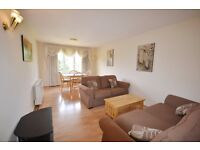 Two Bedroom Property on Rothshild Road Chiswick