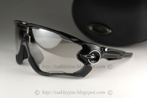 Oakley JAWBREAKER Sunglasses OO9290-14 Polished Black W/Clear Black Photochromic
