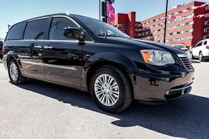 2016 Chrysler Town & Country Touring-L *BLU RAY, REAR HEAT, BLUE