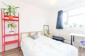 2MIN from Bethnal Green Tube HUGE Double Room!