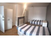 STRATFORD - TWO ROOMS IN THE SAME HOUSE AT DIRLETON RD. AMAZING 2 TWIN ROOMS