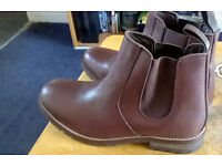 Mens Leather Boots. Brand New.
