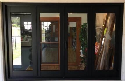 Aluminium Bi Fold Door-2950x2100-Black